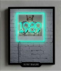 Taylor Swift 1989 Poster Gift Neon sign Room Decor Wall por ArteRKL , Celebrity ✿