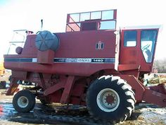 International 1460 combine salvaged for used parts. This unit is available at All States Ag Parts in Salem, SD. Call 877-530-4010 parts. Unit ID#: EQ-23658. The photo depicts the equipment in the condition it arrived at our salvage yard. Parts shown may or may not still be available. http://www.TractorPartsASAP.com