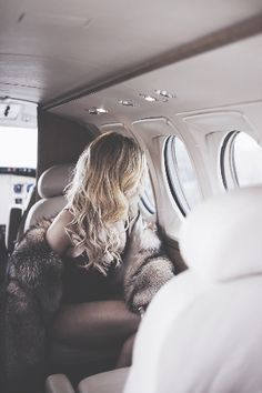 Don't know why but i love this pic ❤ || photography, plane, girl, world, travelling