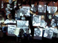 Os activistas angolanos detidos desde Junho ameaçam com greve de fome colectiva. Acusados de tentativa de rebelião contra o Presidente de Angola, os jovens apontam irregularidades no julgamento que consideram...