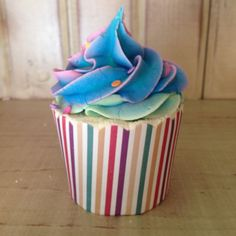 Super Cute Bath Bomb Cupcake with Sugar Scrub Frosting. Love the wrapper and size of of these! - JT