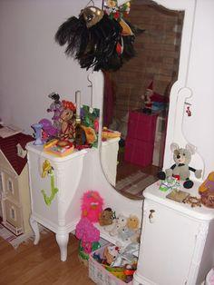 Fésülködő asztal új funkcióban Toy Chest, Storage Chest, Toys, Furniture, Home Decor, Homemade Home Decor, Home Furnishings, Gaming