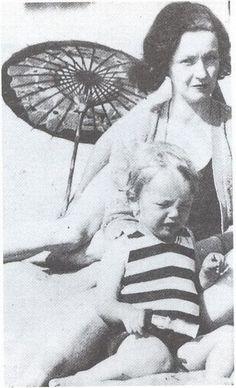 Marilyn Monroe & her Mother