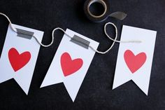 Free printable Valentine's Day cards and garland!