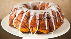 Like cream cheese and cinnamon rolls? Then you'll fall in love with this easy stuffed monkey bread.