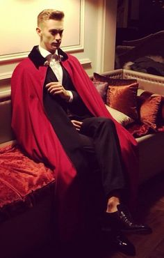 Mens Cape, Cloaks, Stylish Men, Capes, Menswear, Mens Fashion, Halloween, Random, How To Wear