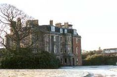Clan Hunter, their Castle and information. Hunterston House
