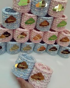 1 million+ Stunning Free Images to Use Anywhere How To Do Crochet, Crochet Box, Love Crochet, Crochet Gifts, Knit Crochet, Baby Shower Souvenirs, Diy Envelope, Free To Use Images, Wedding Favours