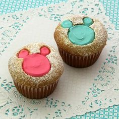 Ear-resistable Mickey and Minnie Stencil Cupcakes #Disney #cupcake #Minnie #Mickey #recipe