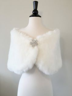 Ivory / White Faux Fur Wrap Shawl Coat Shrug Stole Cape by AnyaLiu