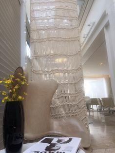 Conheça todas as soluções para divisores de ambientes. Paine Crochet & Tricot trabalho artesanal e sob-medida. showroom: Arthur decor