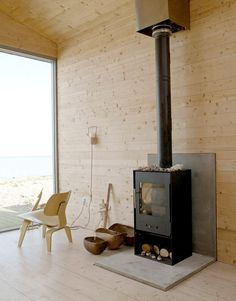 wood wall and floor, modern fireplace, living room design ideas Hearth Pad, Wood Stove Hearth, Wood Burner, Stove Fireplace, Tiny Beach House, Beach Houses, Tiny Houses, Living Room Designs, Living Spaces