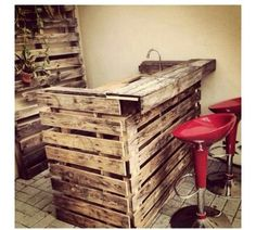 Pallet bar - If I had a garden I'd sooo love to do a DIY bar in a shed