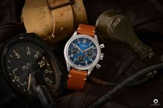 The Longines Avigation BigEye L2.816.1.93.2 is a pilot watch fan's dream. Everything about the special watch with the historical design! Watch Fan, Watch Blog, Watches Photography, 3 O Clock, G Shock, Retro Design, Pilot, Brown Leather, Pilots