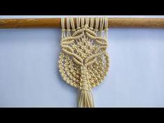 Macrame Wall Hanging Diy, Macrame Art, Macrame Design, Macrame Projects, Macrame Knots, Best Weave, Macrame Tutorial, Macrame Patterns, Hobbies And Crafts
