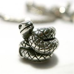 Snake - dangerous on your bracelet as yourself ?