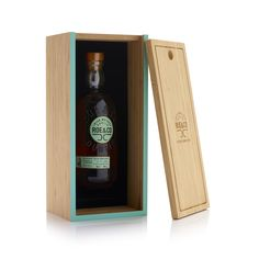 Roe & Co on Packaging of the World - Creative Package Design Gallery Luxury Packaging, Box Packaging, Wine Label, Packaging Design Inspiration, Innovation Design, Whisky, Wine Rack, Bottle Opener, Creative Package
