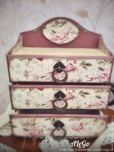 Decoupage Furniture, Recycled Furniture, Diy Furniture, Shabby Chic Jewellery Armoire, Jewelry Armoire, Pretty Storage Boxes, Painted Jewelry Boxes, Boxes And Bows, Decoupage Vintage