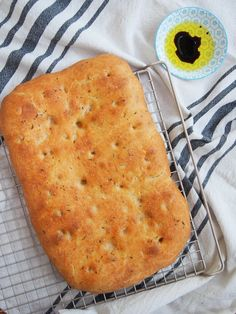 With a wonderful flavor, plenty of crisp edges, and a soft crumb inside, this lemon thyme focaccia is such a delicious, versatile homemade bread! Empanadas Argentinas Recipe, Baking Recipes, Real Food Recipes, Vegetarian Recipes, Frappe, Bread Baking, Food To Make, Dairy Free, Lemon