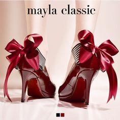 mayla classic Ademishia「『品位と美貌を兼ね備えた永遠のプリンセス』プリンセスの上品さと気品をあわせ持つ生まれながらの高貴 公女が大人となった今夢見た靴…品位と美貌を兼ね備えた永遠のプリンセスが選んだ美しいフェイバリットはエレガント&フェミニンな装いで貴族の世界から現代へ華麗なるアプローチを遂げる」 #pumps #fashion #mayla_classic
