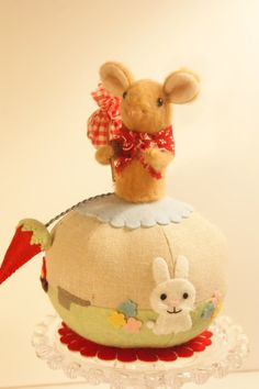 Mouse Pincushion Hobo Mouse Novelty Pincushion by cottonpickinfun