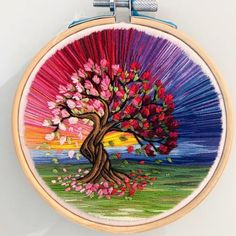 Flower Embroidery Designs, Creative Embroidery, Hand Embroidery Stitches, Embroidery Hoop Art, Embroidery Techniques, Cross Stitch Embroidery, Embroidery Patterns, Thread Art, Thread Painting
