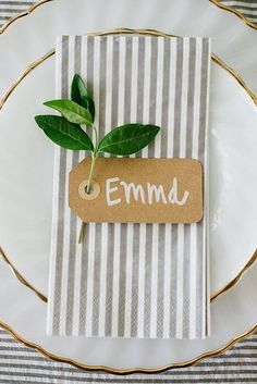 Cheap and easy place card idea? a mother's day brunch tablescape Mod Wedding, Fall Wedding, Wedding Card, Wedding Ideas, Wedding Napkins, Trendy Wedding, Diy Wedding Place Cards, Wedding Table Cards, Fall Place Cards