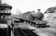 Southern Railway 2028 leaving Havant on a Portsmouth-Brighton train in British Rail, British Isles, Portsmouth Harbour, Uk Rail, London Brighton, Hampshire Uk, Southern Railways, Train Pictures, Steam Engine