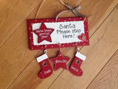 Items similar to Personalised Santa stop here sign/plaque on Etsy Christmas Plaques, Wooden Christmas Ornaments, Felt Christmas Decorations, Christmas Wood, Christmas Signs, Christmas 2017, Christmas Stall Ideas, Christmas Craft Fair, Christmas Makes