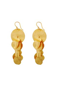 Circle leaves gold. #earrings #goldplated #naturecollection #jewellery #clossmadrid