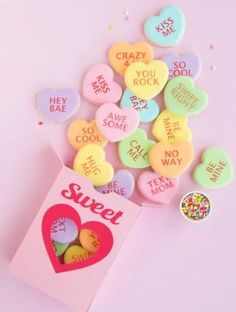 Conversation Heart Candy Cookie Box With Tutorial Conversation Heart Candy Cookie Box With Tutorial Conversation Heart Cookie Box<br> Learn how to make this SWEET conversation heart candy cookie box with The Sprinkle Facotory and Silhouette America! Cookie Favors, Candy Cookies, Cookie Box, Heart Cookies, Valentine Candy Hearts, Valentine Cookies, Easter Cookies, Birthday Cookies, Silhouette America