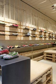 SoloRebels Shoe Store | Barcelona | junkitechture | Arquitectura Basura