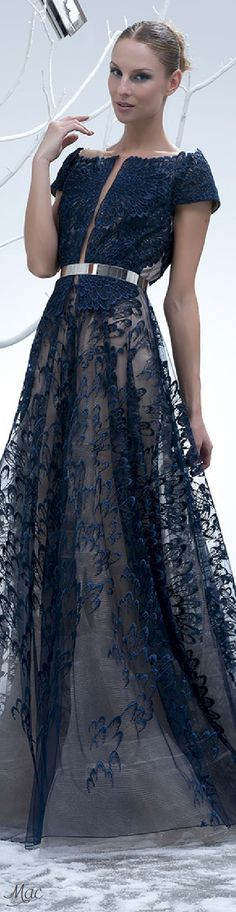 Spring 2015 Ready-to-Wear Isabel Sanchis Blue Fashion, Look Fashion, Fashion Models, Fashion Designers, Evening Dresses, Prom Dresses, Formal Dresses, Wedding Dresses, Beautiful Gowns