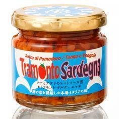 7/10発売です!お届けが7/10以降となりますのでご了承ください。 要冷蔵:【こちらの商品代金にはクール宅急便手数料100円(税抜)が含まれます。】 トラモント・サルデーニャは海の恵みがつまった、魚介のうまみと爽やかなトマトの風味が口いっぱいに広がる贅沢な一品です。 Sea Passion は国内初の試み、イタリア仕込みのボッタルガを、国内で水揚げされるマグロの卵巣を使って生産しています。 《ボッタルガとは》 魚の卵巣を塩漬けし乾燥させたイタリア・地中海沿岸部の伝統的な保存食。日本では「からすみ」として知られています。 日本のからすみとイタリアのからすみでは製法が違うため別物とも言えます。 主にイタリアのサルデーニャ地方の伝統的なもので、食べ方はシンプルにオリーブオイルとレモン汁を和え、パンに添えて食べるそうです。日本ではからすみといったらボラが浮かびますが、イタリアでは魚の塩漬けを総称してボッタルガというそうです。 ちなみにボラのからすみはボッタルガ・ディ・ムジーナ、マグロのからすみはボッタルガ・ディ・トンノと言い分けるそうです。 《宮崎県で作っています》…