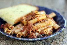 When you crave a satisfying pasta dinner, but are short on time, reach for these easy and delicious crockpot recipes. We've included plenty of time-saving dishes here that you can prep in minutes in the morning and serve for weeknight family dinners, plus a few that are special enough for company. Slow Cooker Casserole, Slow Cooker Pasta, Ground Beef Casserole, Pasta Casserole, Casserole Recipes, Spaghetti Casserole, Casserole Dishes, Slow Cooker Ground Beef, Ground Beef Recipes