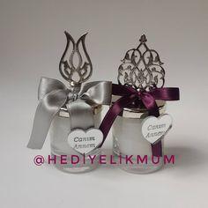 Canim Annem 😇 Özel günleriniz için Hediyelik Mumlar 💕Bilgi ve Sipariş için DM' den ulaşabilirsiniz.💕#mum #candle #gelcandle #iphoneonly #hediyelikmum #hediyelikeşya #hediye #hediyemum #babyshower #mevlid #sunnet #bardakmum #wedding #weddingcandles #kinagecesi #kinahediyesi #nikahsekeri Place Cards, Place Card Holders, Instagram Posts, Hand Crafts