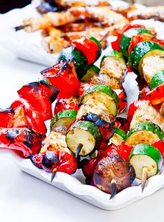 ATTENTION this is the perfect recipe for a cookout!! Repin this for your next family BBQ!!!! |avocadopesto.com