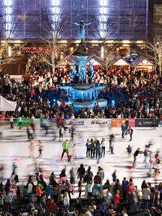 In Cincinnati, heading downtown for shopping, dinner and a show has returned as a high point of the Queen City's holiday season. Tips for a great trip: http://www.midwestliving.com/travel/ohio/cincinnati/a-holiday-fit-for-a-queen/