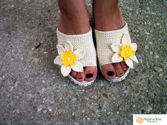 Sunflower sandals for a glowing summer, handmade in Romania Summer Knitting, Enjoy Summer, Romania, Slippers, Slip On, Sandals, Chic, Pattern, Handmade