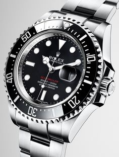 The new Rolex Sea-Dweller in 904L steel with a black Cerachrom bezel in ceramic, a black dial and an Oyster bracelet.