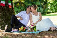 Пик-ник у озера Комо. #como #wedding #fotograf #фотограф #комо #свадьба Italy Wedding, Couple Photos, Couples, Italy, Couple Photography, Couple, Romantic Couples, Couple Pics