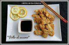 I Bocconcini di pollo al sesamo sono un secondo piatto facile e veloce dal sapore orientale fatti marinare nel limone e nella soia e poi coperti di sesamo