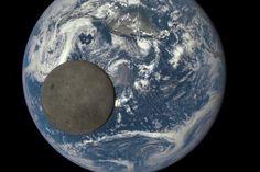Kuvassa näkyy Kuun se puoli, joka ei näy koskaan Maahan. Kuva: Nasa.  Nasan uusi ilmastosatelliitti on napannut ainutlaatuisen kuvan Maasta ja Kuusta yhdessä. Kuva on otettu heinäkuussa yli 1,6 miljoonan kilometrin päästä, kertoo Nasa verkkosivuillaan.