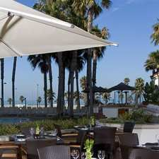 Hilton Waterfront Hotel, Huntington Beach, Ca - Shades Restaurant - The patio has a great view of the ocean