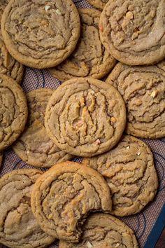Healthy Peanut Butter Cookies, Peanut Butter Oatmeal, Classic Peanut Butter Cookies, Peanut Cookies, Almond Butter Cookies, Nutter Butter Cookies, Butter Cupcakes, Cookie Butter, Peanut Butter Chips