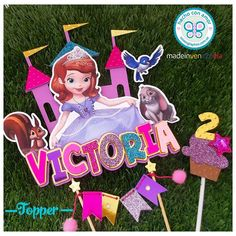 "69 Gostos, 6 Comentários - ★ Graphos Concept ★ (@graphos_concept) no Instagram: ""Un topper de princesa... Para una pequeña princesa. . Hermoso, colorido... Con texto en relieve...…"""