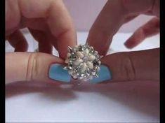 Beading ___ FREE Video Tutorial ____ How to Make the Ring in the Photo ___ Anello Spiky: incastonare un rivoli con superduo Diy Jewelry Videos, Jewelry Crafts, Beading Tutorials, Beading Patterns, Beaded Rings, Beaded Jewelry, Twin Beads, Ring Tutorial, Homemade Jewelry