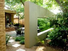 Beautiful Fence Designs Blending Various Materials for Unique, Modern Walls