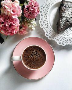 Coffee Break, Coffee Time, Coffee Cups, Chocolate Shop, Chocolate Coffee, Screensaver Iphone, Cocoa Drink, Breakfast Tea, Bakery