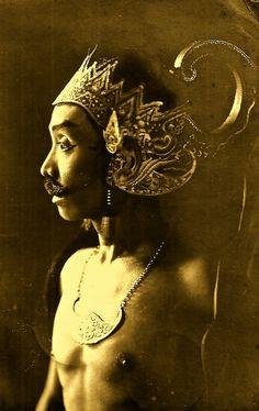 Wayang Wong Dancer, Java, Indonesia 1935.